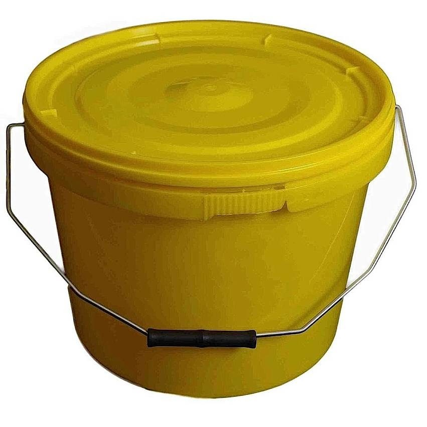 10L Tamper Evident Yellow Plastic Buckets With Lid