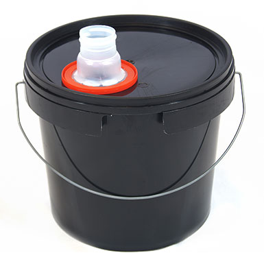 5L Black Plastic Buckets With Pull Out Spout