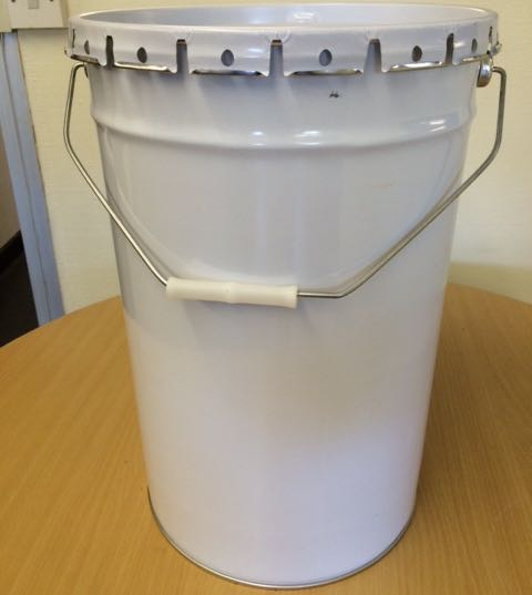 Metal un containers bargain batch alert for Un container