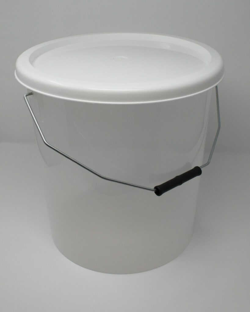 16L Translucent Buckets With White Lid
